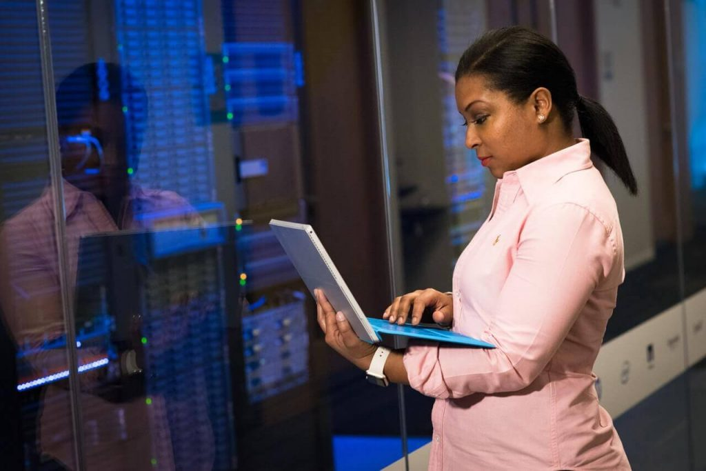 #9 Sneaky Secrets To Keep In Mind When Choosing A Web Hosting Provider